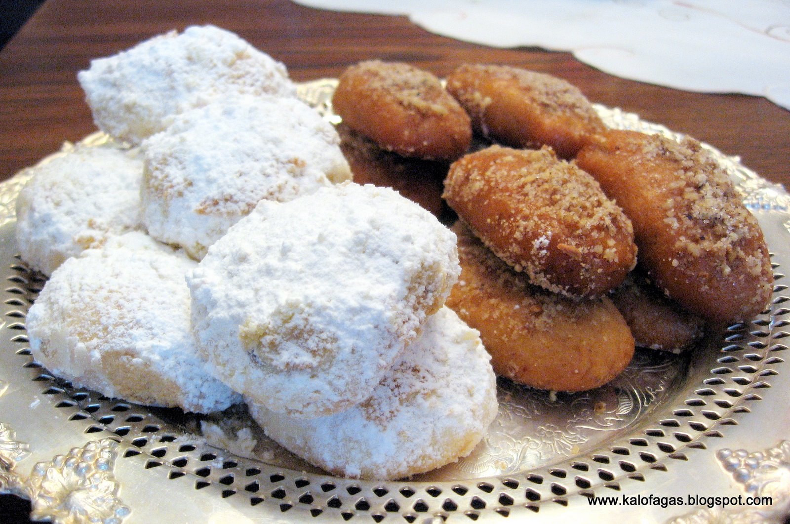 kourabiedes greek christmas cookies - Greek Christmas Cookies